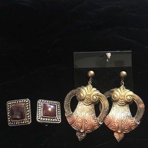 Earrings 2 pair